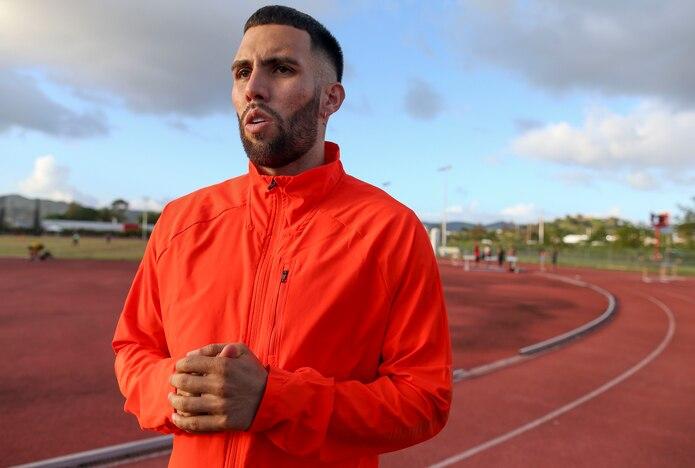 Wesley Vázquez rompió su inactividad forzada por la pandemia con una carrera de 600 metros en Hungría, antes de correr su primer 800 de la temporada a finales de agosto.