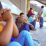 Segunda caravana de migrantes hondureños ingresó a Guatemala de manera legal