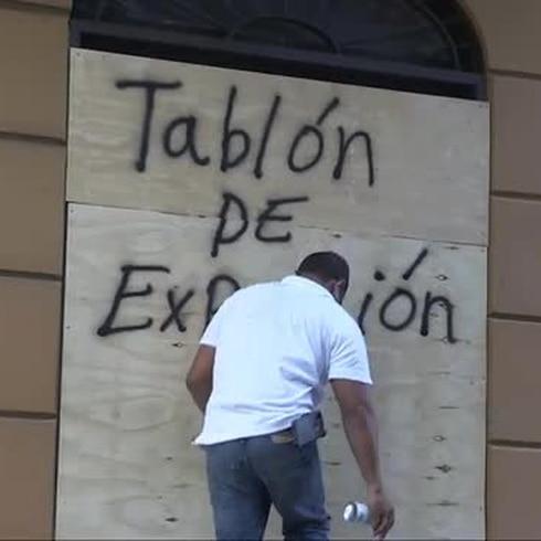 Este comerciante se puso creativo para que no dañen al Viejo San Juan