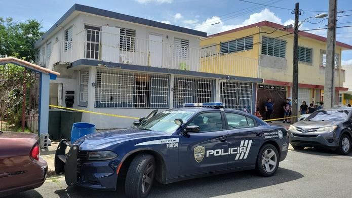 La expareja de una mujer que fue asesinada en su hogar en Barrio Obrero, Santurce, se privó de la vida en una residencia de la urbanización Vista Mar, en Carolina.