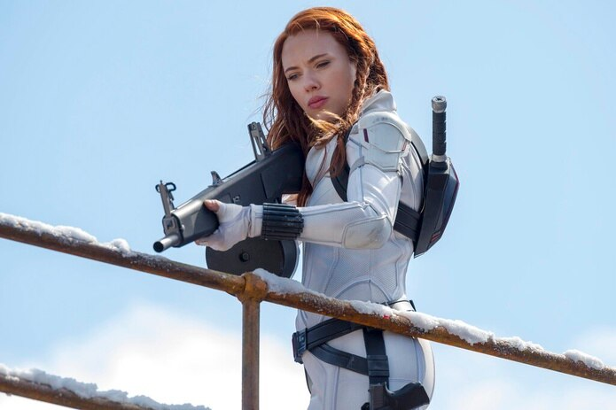 """En esta imagen proporcionada por Marvel Studios Scarlett Johansson en una escena de """"Black Widow""""."""