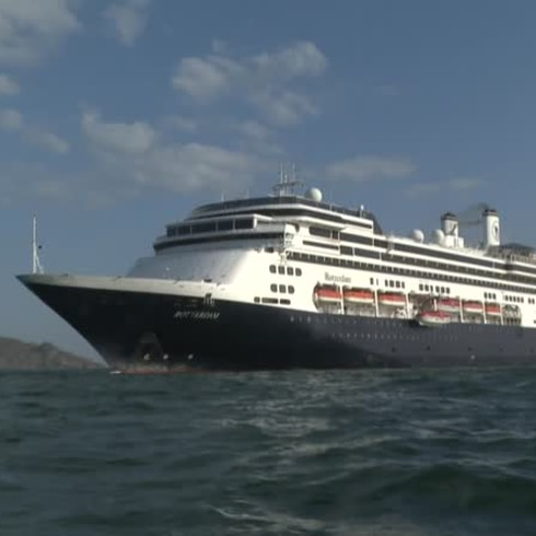 """""""En la conciencia"""" de quienes rechazaron atraque, dice pasajera del crucero Zaandam"""