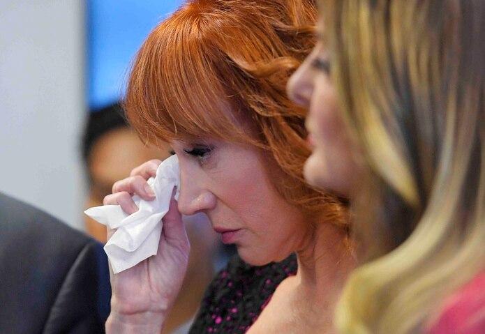 La defensora de la actriz Kathy Griffin aseguró que la foto difundida por su clienta devolvía a Trump los insultos que lanzó en contra su contra. (AP)