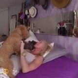 Sonya entre sus perras