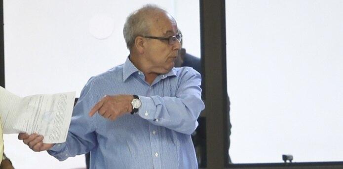 Martínez Rivera, quien se encuentra libre bajo fianza, enfrenta tres cargos de incesto, tres cargos de agresión sexual y un cargo de actos lascivos. (angel.rivera@gfrmedia.com)