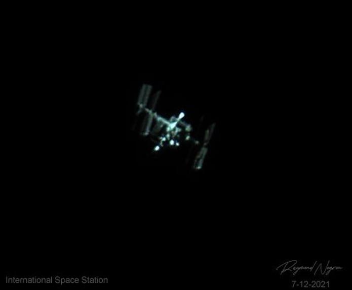 El laboratorio espacial es actualmente tripulado por el astronauta francés Thomas Pesquet, el astronauta japonés Akihiko Hoshide, los astronautas estadounidenses Shane Kimbrough, Katherine Megan McArthur y Mark Vande Hei, así como los cosmonautas rusos Pyotr Dubrov y Oleg Novitsky.