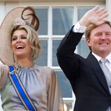 """Rey de Holanda """"lamenta profundamente"""" irse de vacaciones tras aumento de casos de COVID-19"""