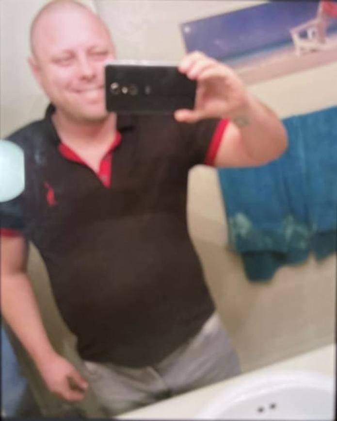 William Alexander Yellot, de 37 años, se encuentra desaparecido desde el domingo, 10 de enero, tras ser visto por última vez en los predios del Conturce Hostel, localizado en la calle Loíza, en Santurce.