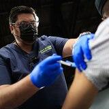 Quince hospitalizados por COVID-19 habían completado la vacunación en Puerto Rico
