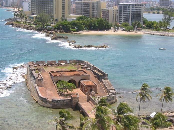 El Fortín San Gerónimo del Boquerón es una estructura que tuvo un importante rol de defensa en la historia de Puerto Rico.