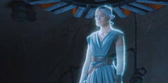 Dura 15 minutos y sus visitantes pueden ver diferentes naves que aparecen en las famosas películas, incluyendo una flota de tamaño real de combatientes de estrellas X-Wing. (Captura)