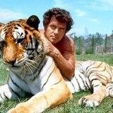 Actor de Tarzan muere a los 77 años