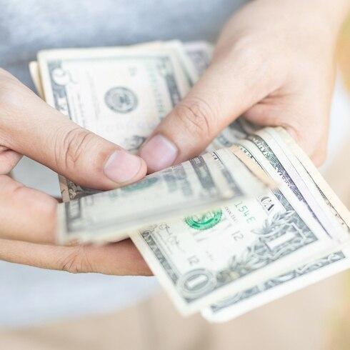 Advertencia sobre el dinero en efectivo debido al coronavirus
