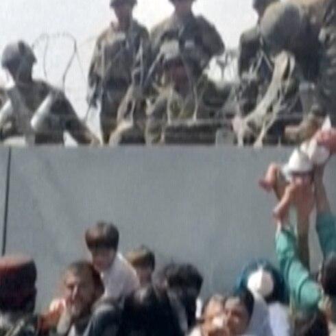 Esto fue lo que pasó con el bebé cargado sobre alambres de púas en Afganistán
