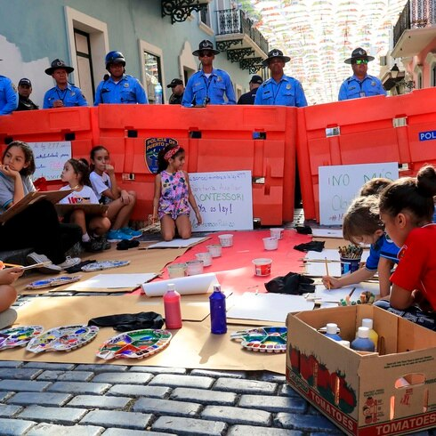 Mira cómo estos niños Montessori protestaron frente a La Fortaleza