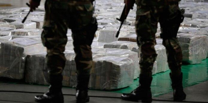 """Una investigación de The Associated Press, no obstante, comprobó que las """"narcoavionetas"""" han sido cargadas con drogas en pistas, algunas a minutos por aire de bases militares, en el remoto valle, donde casi no hay caminos y del que salen unos dos tercios de la cocaína peruana. (AP)"""