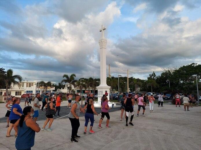 Es común la celebración de clases de salsa, festivales y exhibiciones, entre otras actividades,  en este lugar.