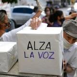 "Venezolanos votan en ""consulta popular"" para rechazar a Nicolás Maduro"