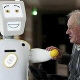Stevie II: el robot que cuida ancianos y los acompaña