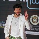 Blin blin y escotes en la alfombra roja de Premios Tu Música Urbano