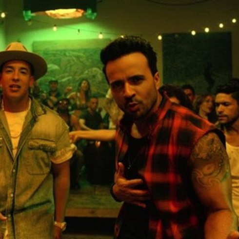 Bien pegaditos Luis Fonsi y Zuleyka Rivera en vídeo musical