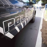 Camión volcado provoca cierre de carretera PR-2 en Camuy