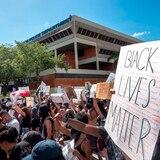 Miles de personas protestan en Miami por la muerte de Floyd
