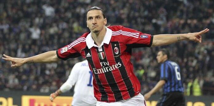 Zlatan Ibrahimovic vistió la camiseta de Milan durante dos campañas. (AP)