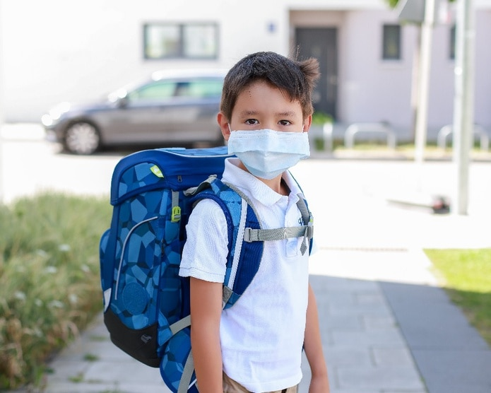 Según Unicef, es importante escuchar a los hijos y validar sus emociones: es normal estar nervioso.