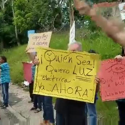 Residentes de Cupey están hartos de la falta de energía