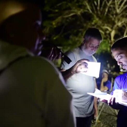 Residentes de Guánica pasan la noche durmiendo en la calle