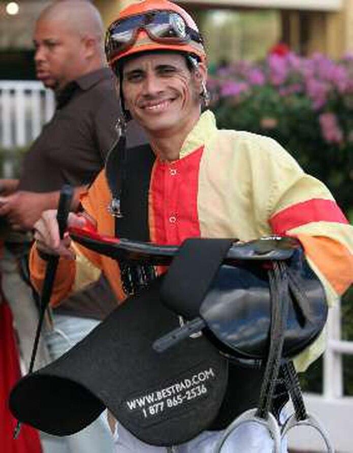 Edwin Castro montará a Tatito en la segunda carrera.