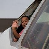 Gian Raúl cumple su deseo de subir a un avión de carga
