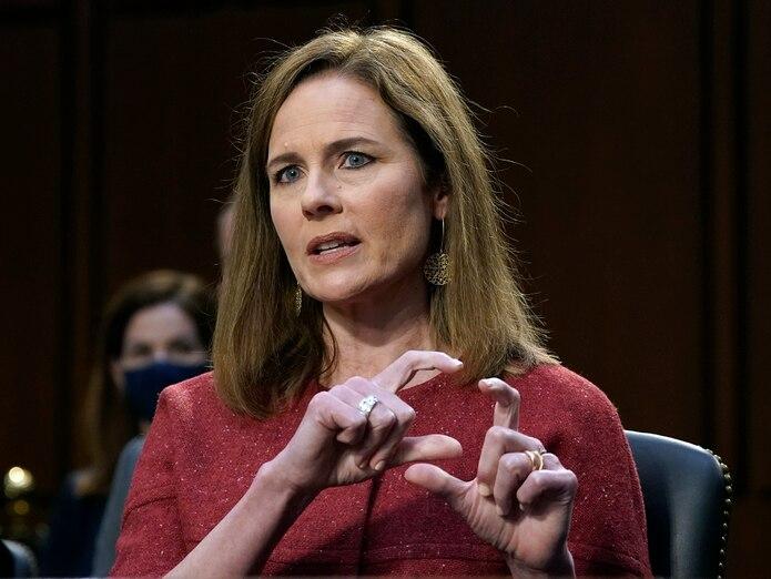 La jueza Amy Conan Barrett, nominada al Tribunal Supremo de Estados Unidos, habla durante la audiencia de su confirmación.