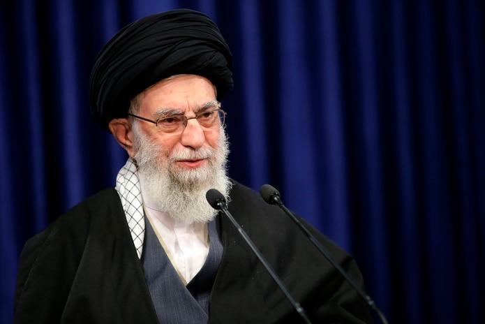 Irán prohibió la llegada de Pfizer