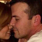 Sency Mellado acepta propuesta matrimonial en Santorini