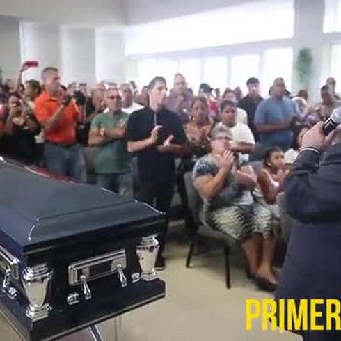 Familiares y amigos despiden a Carlos Pizarro