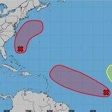 Sin mucho cambio la fuerte onda tropical en el Atlántico