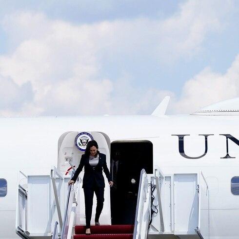 Kamala Harris pasa susto en el Air Force Two