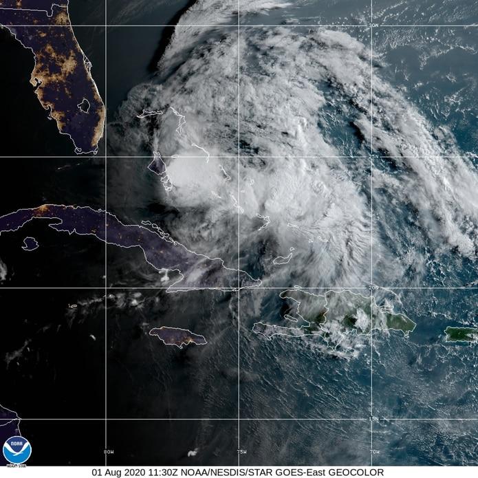 Imagen de satélite del huracán Isaías.