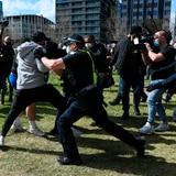 Arrestan a 18 personas en protesta contra el confinamiento en Australia