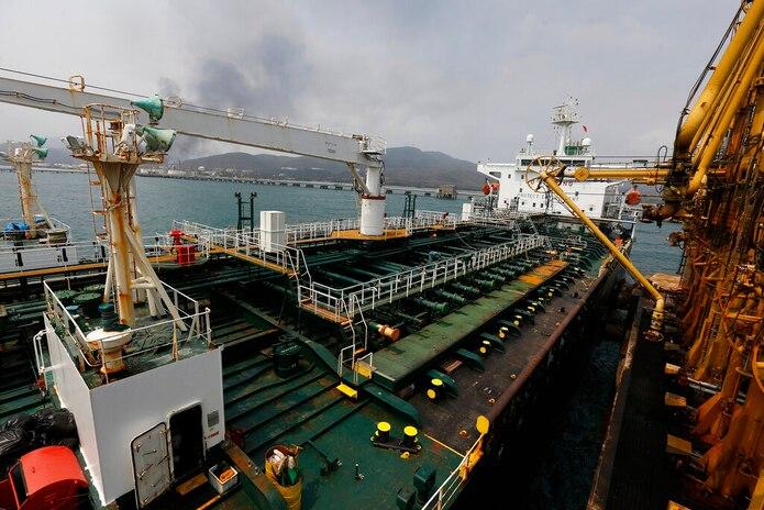 El barco petrolero iraní Fortuna anclado el pasado 25 de mayo en el muelle de la refinería El Palito, cerca de Puerto Cabello, Venezuela.