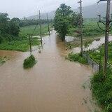 Cierran salida hacia barrio de Naguabo por fuerte inundación