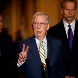 Senado retrasa dos semanas su vuelta por tres congresistas positivos a COVID-19