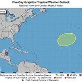 Centro Nacional de Huracanes vigila zona de baja presión