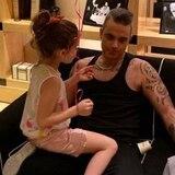 Robbie Williams afirma la paternidad le dio una nueva razón para vivir