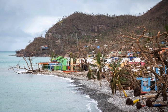 El huracán pasó a 18 kilómetros de la isla de Providencia, destruyendo su infraestructura en un 98% y causando la muerte de dos personas. (AP)