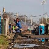 Sudáfrica tiene retraso de casi 100,000 pruebas de virus