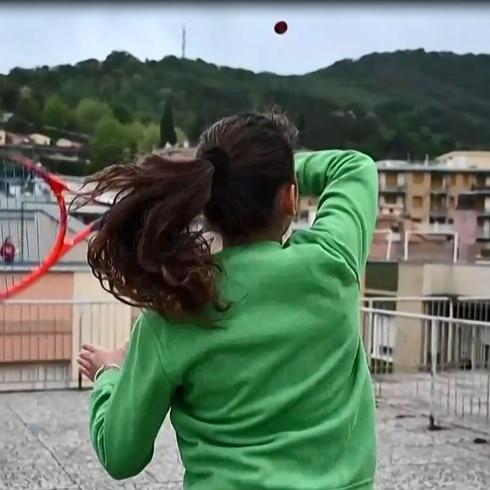 Impresionante: dos tenistas juegan tenis como nunca lo habías visto