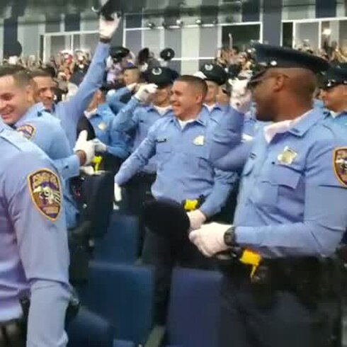 Se gradúan nuevos policías